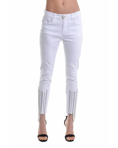 TIGHT JEANS WITH RHINESTONE CHAINS APPLIED TO THE BOTTOM 11CPT504